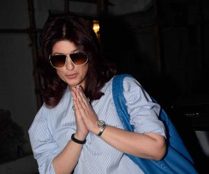 Twinkle Khanna spotted at kromakay