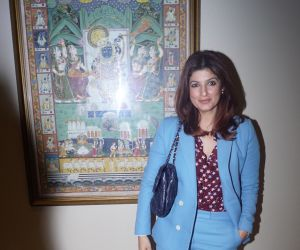 Twinkle Khanna  Will Share Stage With Victor Orozco World Bank