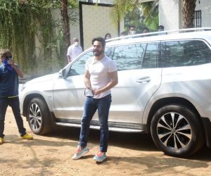 Varun Dhawan Arrived At Marriage Venue