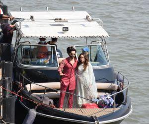 Varun Natasha Leaving From Alibaug  From Speed Boat