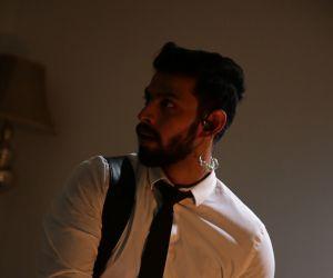Varun's movie Joshua Imai Pol Kaakha new still