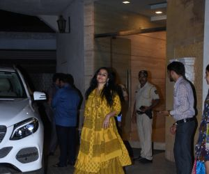 Vidya Balan came out from dubbing studio in Khar