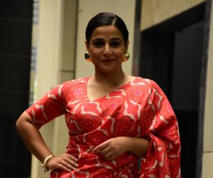 Vidya Balan spotted at at Siddharth Roy Kapoor's office