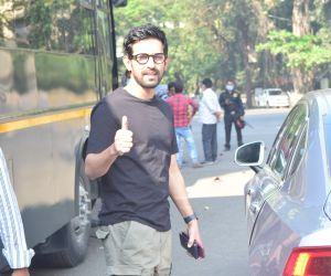 Vikrant Massey Spotted Andheri