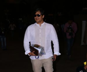 Vivek Oberoi Spotted At Airport