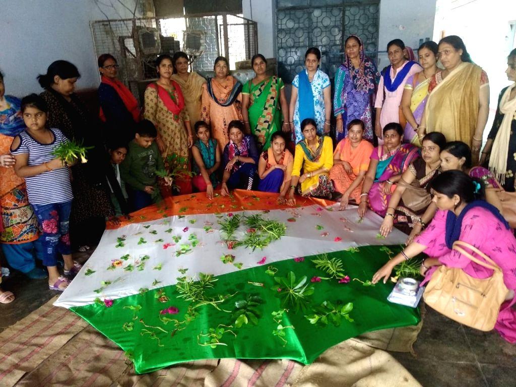 10 feet long environment friendly tricolor rakhi in Mahoba, Uttar Pradesh.