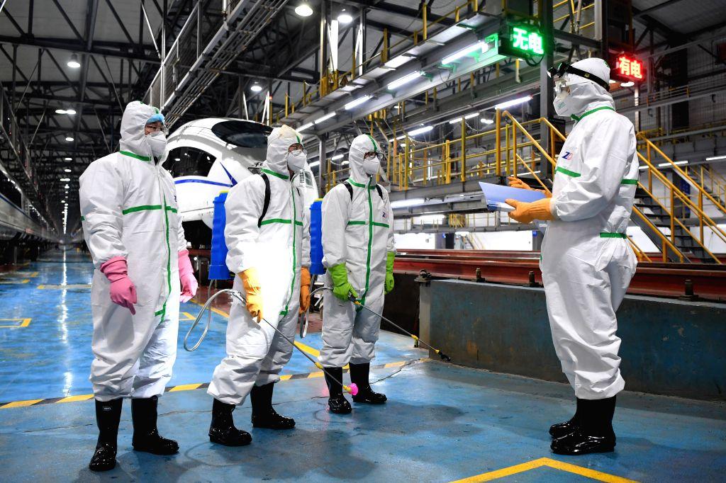 10 infected with coronavirus on quarantined Japanese ship. (Xinhua/Tang Yi/IANS)