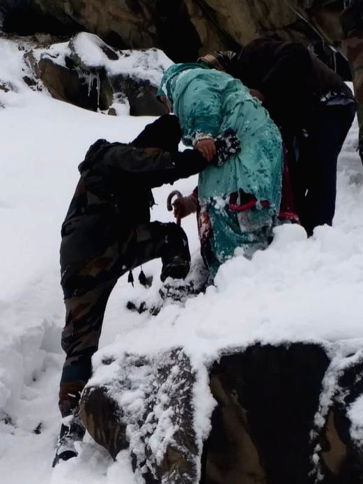10 persons trapped in snow rescued in J&K.