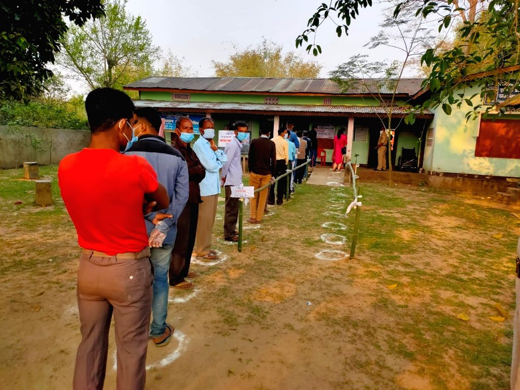 10% turnout in 1st phase Assam Assembly polls (Ld)