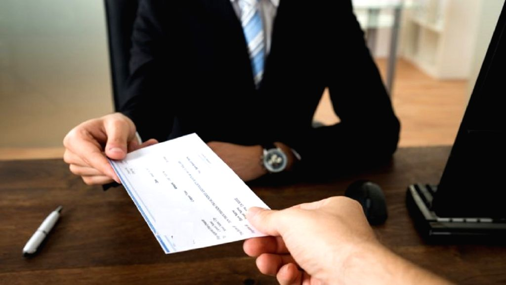 14% ultra-wealthy Indians are salaried employees