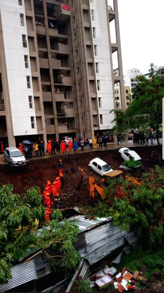 15 killed in Pune wall collapse.