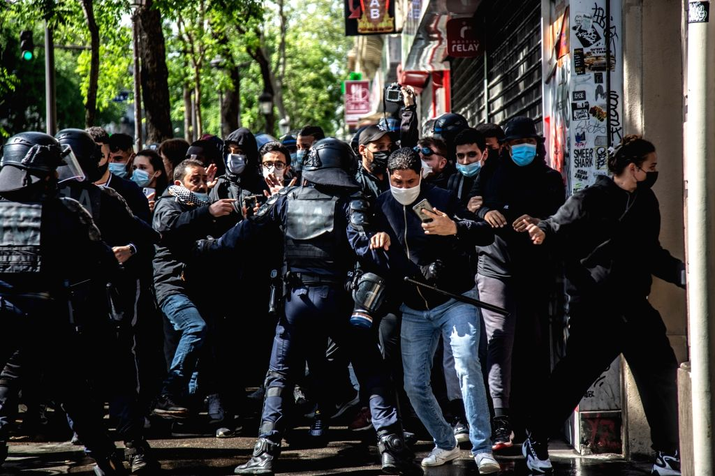 15 May 2021, France, Paris: Anti riot police clash with demonstrators during an illegal demonstration in solidarity with Palestinians amid the escalating flare-up of Israeli-Palestinian violence. ...