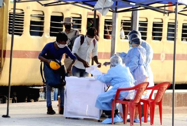 15 migrants run over by goods train in Maharashtra.