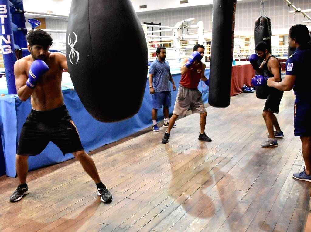 16 elite boxers to train in Italy & compete in France