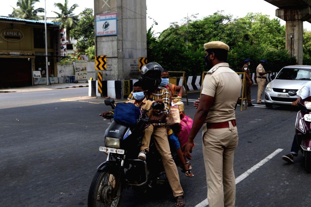 20K cops deployed in Chennai city to man lockdown