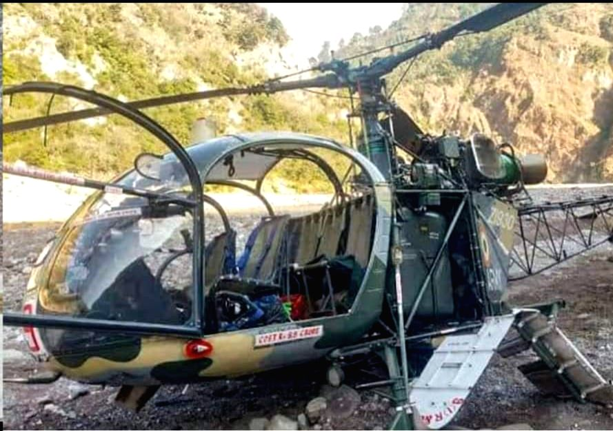 (250121) Jammu:- Pilot was killed and another seriously injured after an Indian Army Dhruv chopper crash-landed in Lakhanpur area of Jammu.  . (Photo: IANS)
