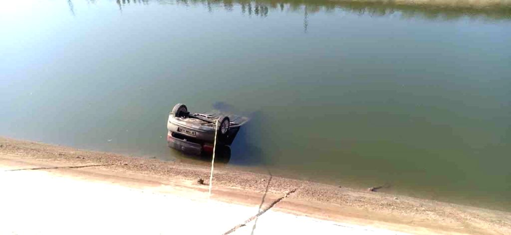 3 Andhra officials killed as car plunges into canal