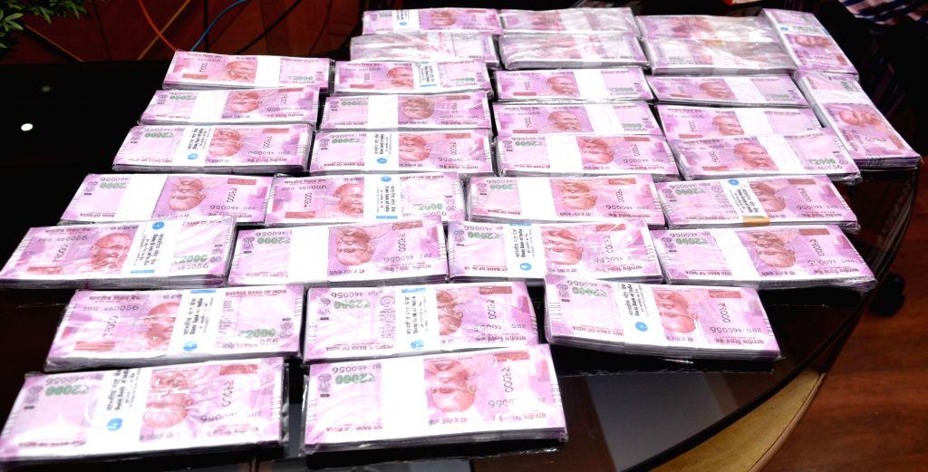 3 including doctor held in fake currency racket in Dehradun