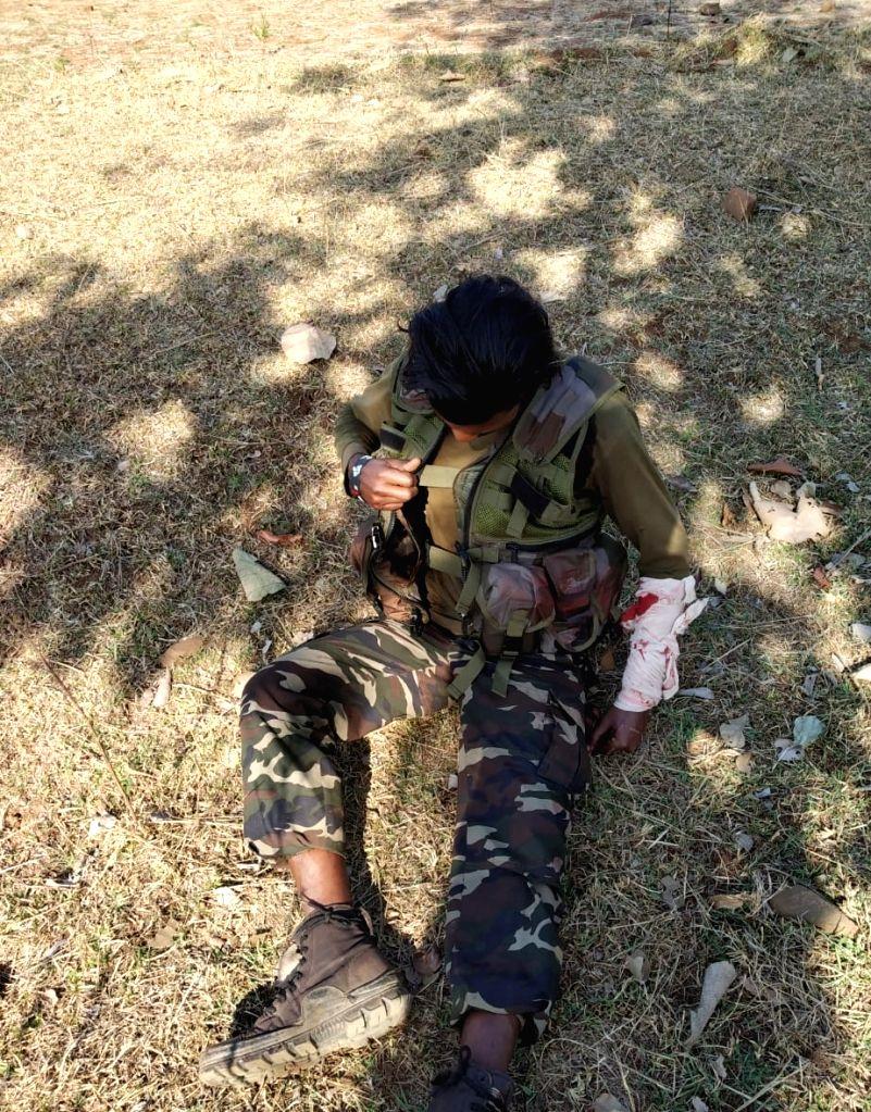 3 security men dead, 2 injured in Jharkhand IED blast.