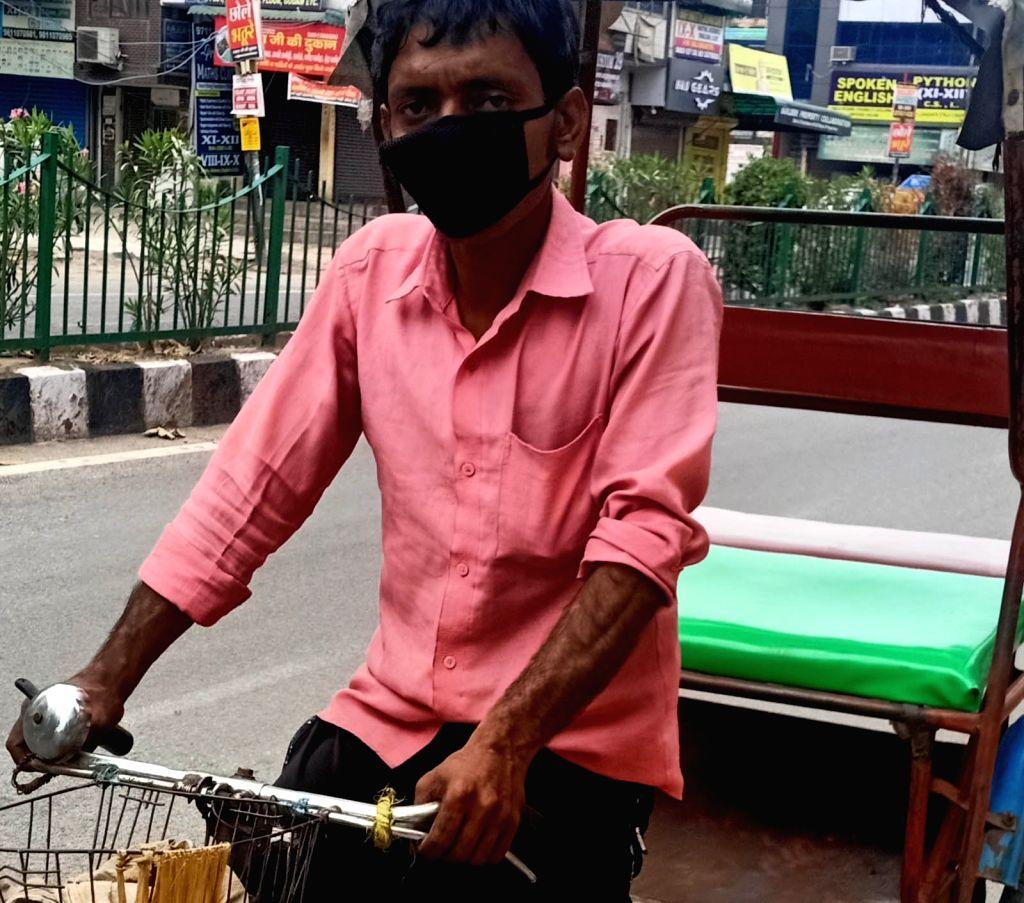 5 families travel thousands of kilometres on rickshaw to reach Motihari.