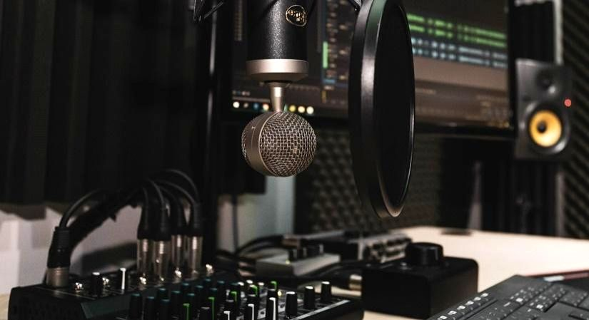5 podcasts that you should listen to right now (IANSlife)