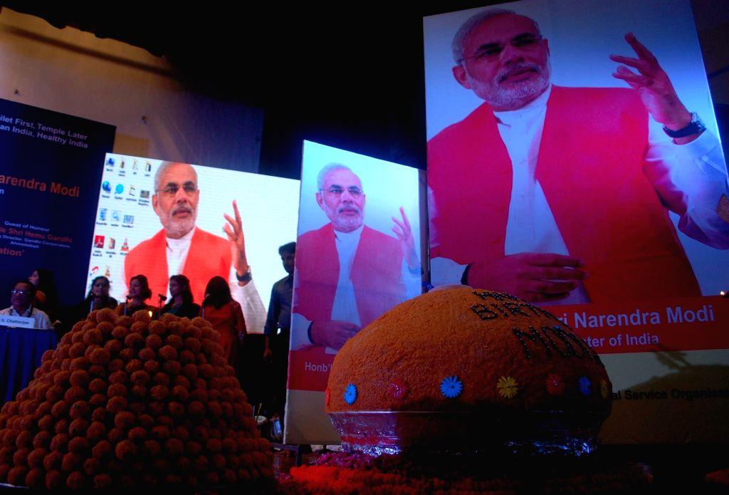 500 Kg laddu on the occasion Prime Minister Narendra Modi's birthday in New Delhi on Sept 17, 2016. - Narendra Modi