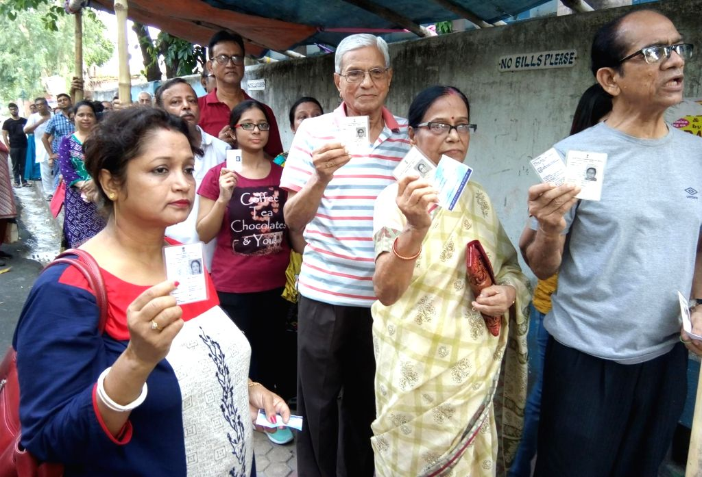 55.76% polling in Bengal in 8 hours amid skirmishes