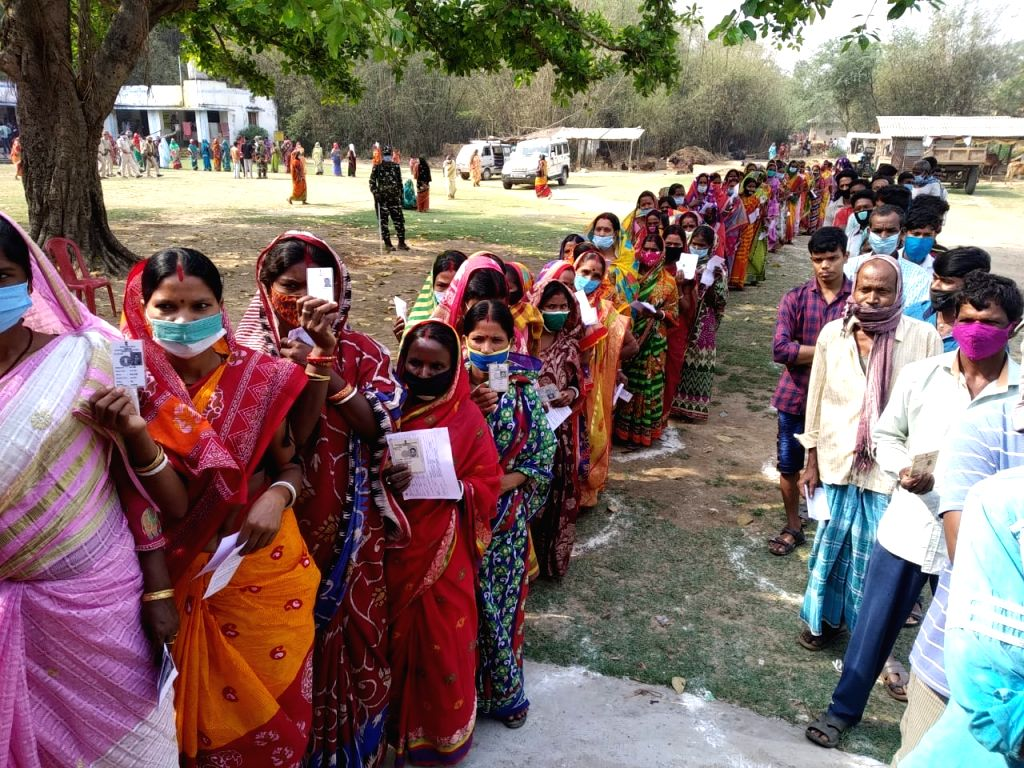 7.72% polling in Bengal in first two hours (Ld). (Photo: IANS)