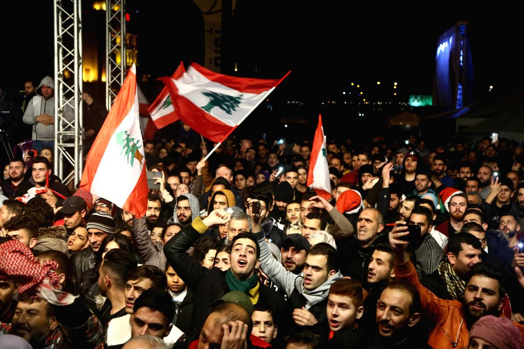 70 hurt in clashes between Lebanese protesters, police