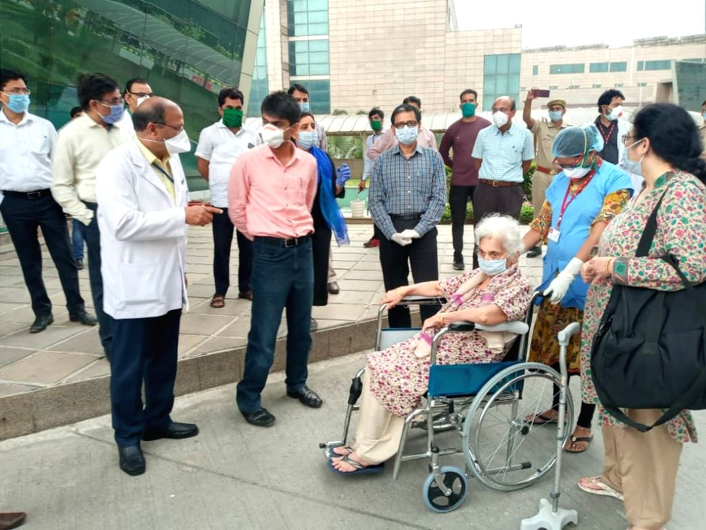 8 COVID-19 patients discharged in Greater Noida post recovery.