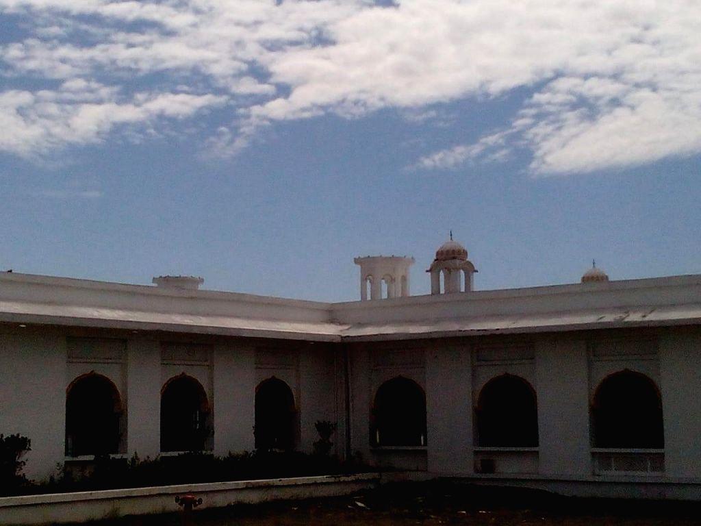 8 domes of shrines in Kartarpur collapse.