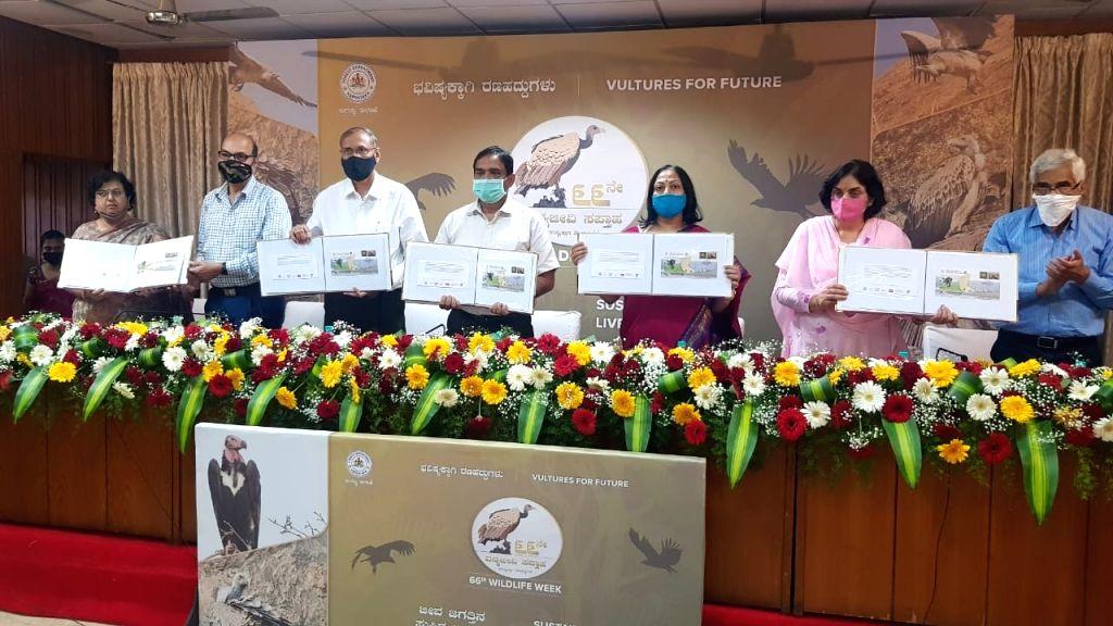 8 postal covers released to mark ???Wildlife Week??? in Karnataka