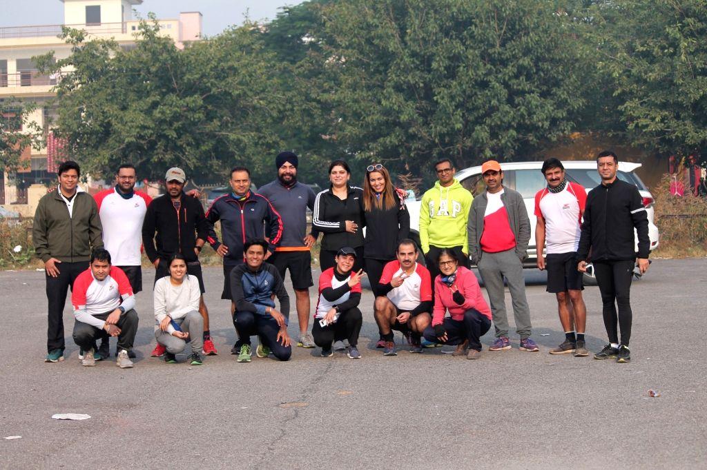 89 runners experience magic of Delhi Half Marathon from Chandigarh.