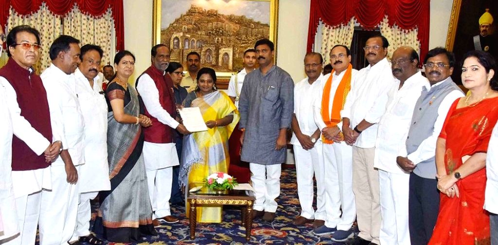 A BJP delegation led by Telangana party President K. Laxman calls on the state's new Governor Tamilisai Soundararajan and submit a memorandum of understanding, at Raj Bhavan in Hyderabad ...