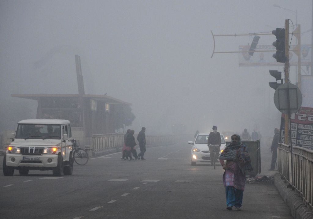 A blanket of fog engulfs Amritsar on a chilly winter morning, on Dec 17, 2019.