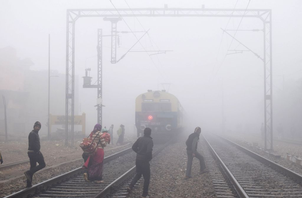 A blanket of fog engulfs Mathura on a chilly winter morning, on Jan 23, 2019.