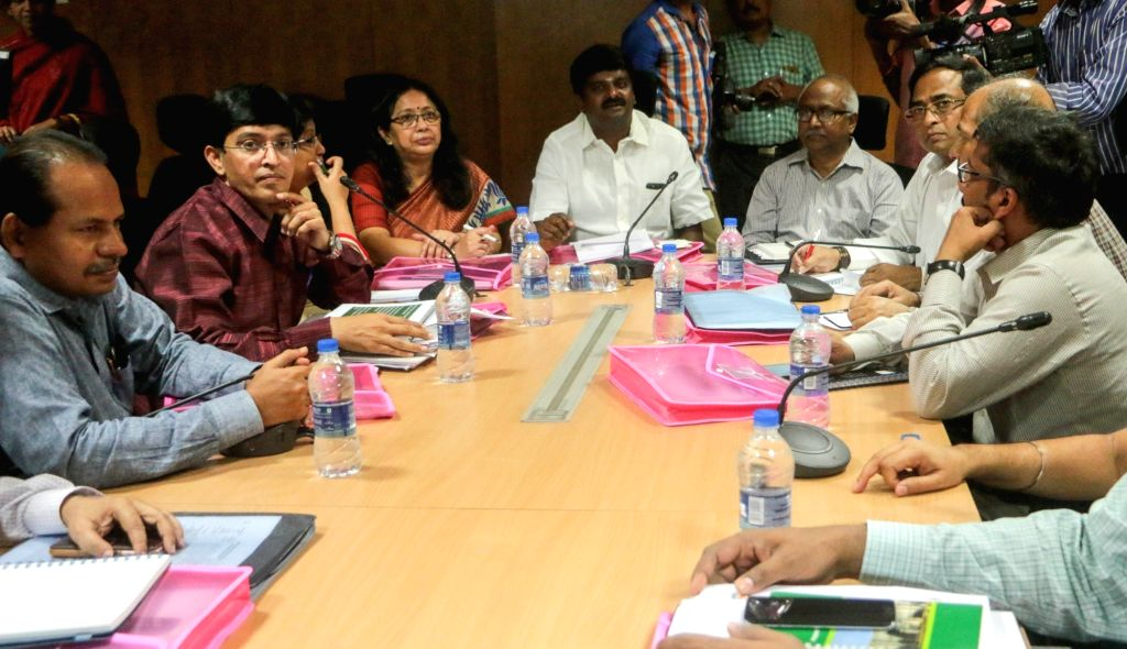 A Central team comprising of doctors from All India Institute of Medical Sciences (AIIMS), National Vector Borne Disease Control Programme (NVBDCP), New Delhi, Lady Hardinge Medical College ...