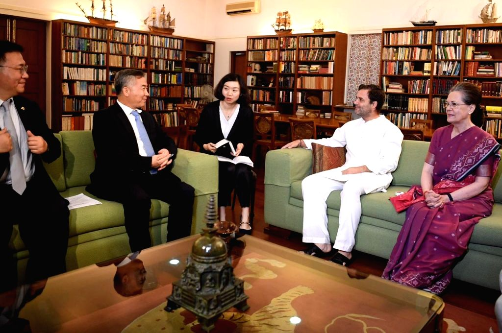 A Chinese delegation calls on Congress leaders Sonia Gandhi and Rahul Gandhi in New Delhi on June 6, 2019. - Sonia Gandhi and Rahul Gandhi