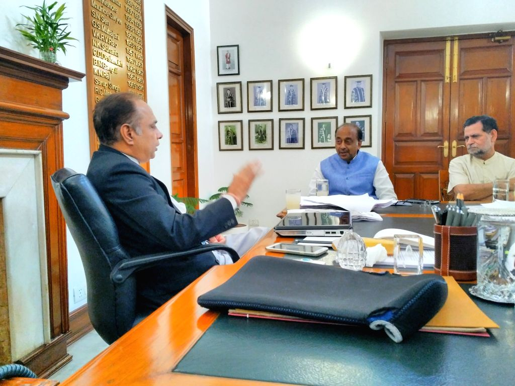A delegation of Delhi School Principals and parent led by BJP MP Vijay Goel meet Delhi University Vice Chancellor Prof. Yogesh Tyagi regarding Delhi University admission, in New Delhi on ...