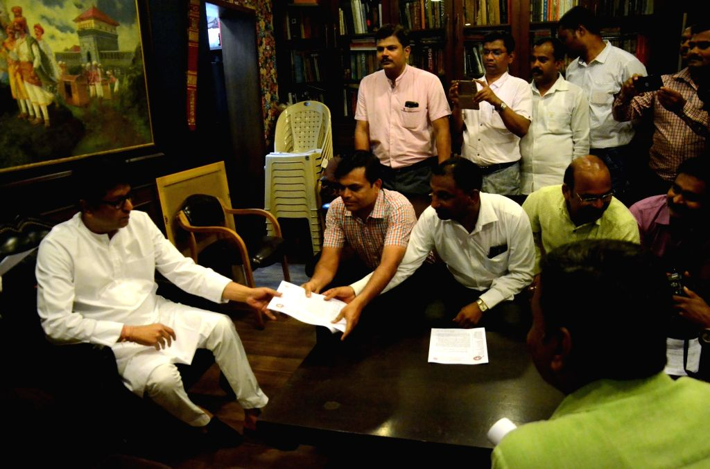 A delegation of Homeopathic doctors meet Maharashtra Navnirman Sena (MNS) President Raj Thackeray over National Medical Commission (NMC) Bill 2017, at his residence in Mumbai on April 4, ...