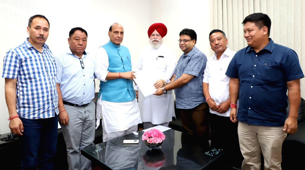 A delegation of the Gorkhaland Movement leaders call on the Union Home Minister Rajnath Singh in New Delhi on Sept 19, 2017. Also seen MoS Drinking Water and Sanitation SS Ahluwalia. - Rajnath Singh