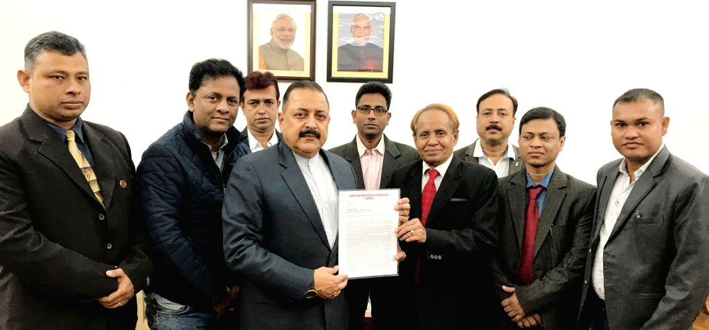A delegation of Tripura journalists call on Union Minister for Development of North Eastern Region Jitendra Singh in New Delhi on Dec 4, 2017.