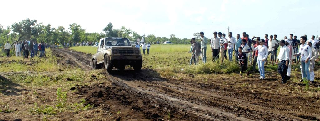 A dirt car championship underway near Bhopal on Sept 18, 2016.
