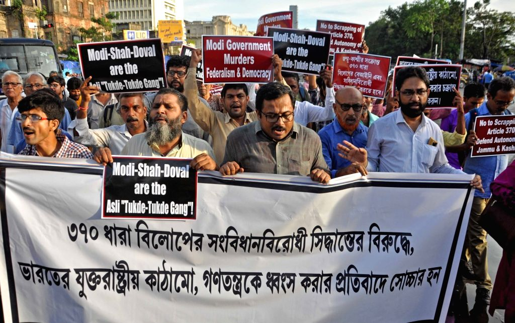 A group of people protest against the Centre's decision to scrap Article 370 of the Constitution that gives special powers to Jammu and Kashmir; in Kolkata on Aug 6, 2019.