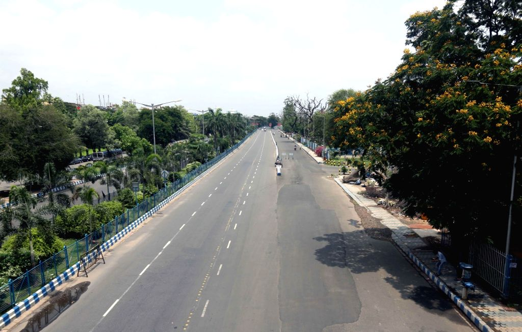 A Kolkata street bears a deserted look during the extended nationwide lockdown imposed to mitigate the spread of coronavirus; on Apr 24, 2020.