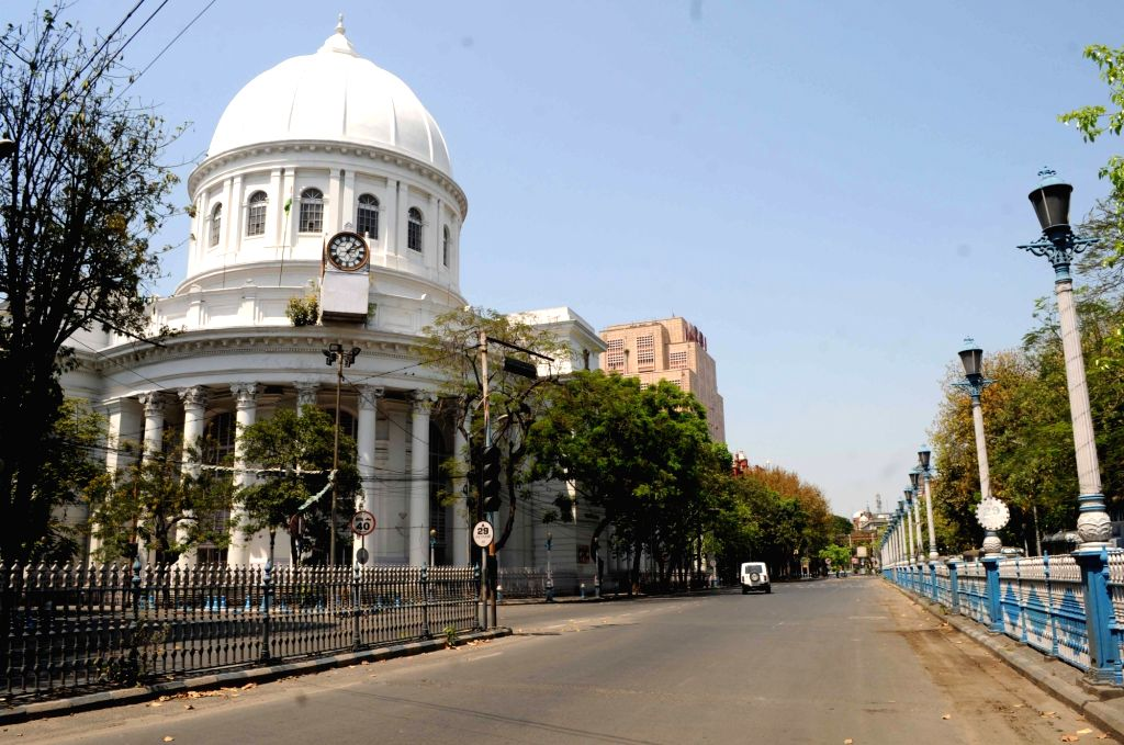 A Kolkata street bears a deserted look on Day 6 of the 21-day countrywide lockdown imposed to contain the spread of novel coronavirus, on March 30, 2020.