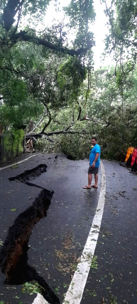 A minor landslide occurred at Malabar Hill a day after the city was battered by record heavy rains, in Mumbai on Aug 6, 2020.