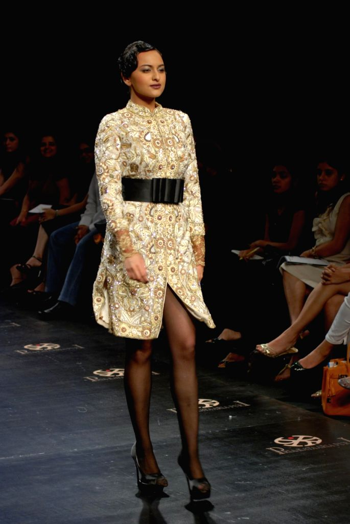 A model on the ramp for Designer Pria Kataria Puri at Lakme Fashion Week 2009.