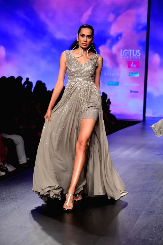 A model showcases fashion designer Julie Shah's creation on the second day of Lotus India Fashion Week in New Delhi, on March 14, 2019. - Julie Shah