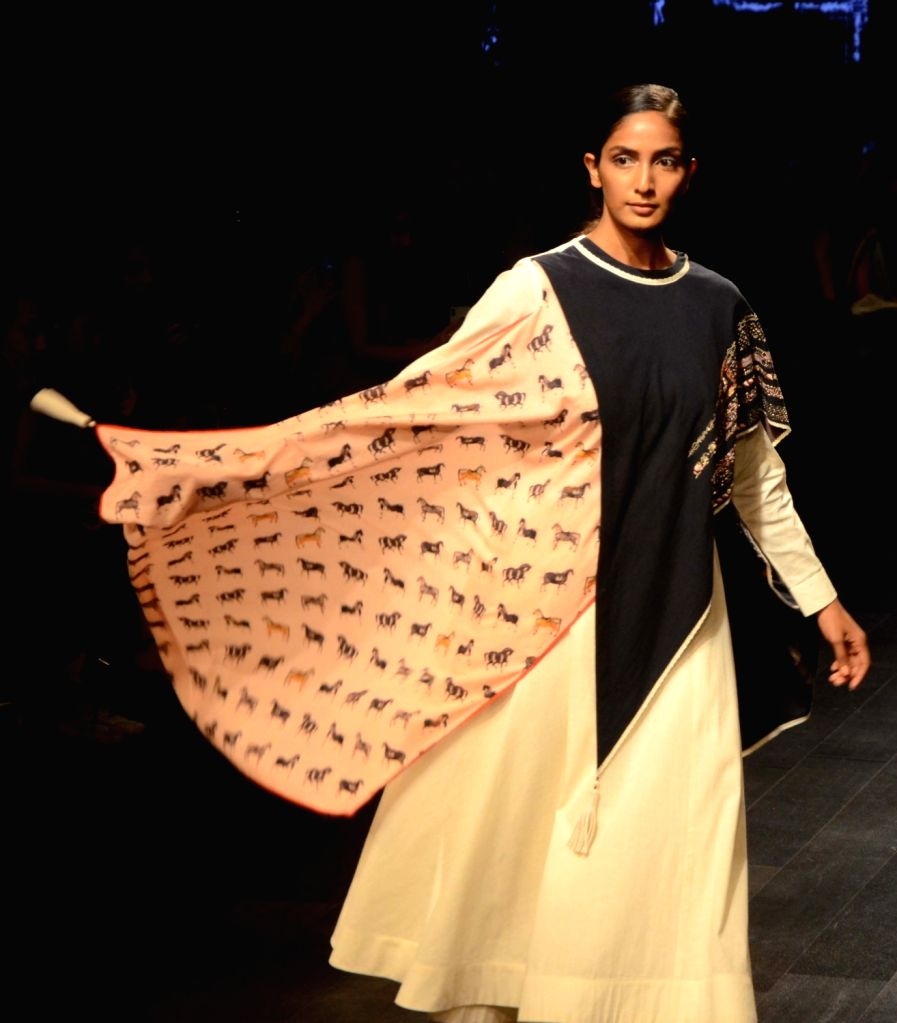 A model showcases fashion designers Neelanjan Ghosh and Kanika Sachdev's creation during Lakme Fashion Week (LFW) Summer/Resort 2019 in Mumbai, on Feb 2, 2019. - Neelanjan Ghosh
